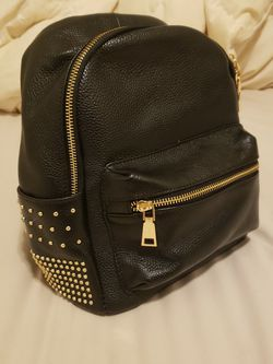 NEW Small Black Leather and Gold Studded Backpack for Sale in Everett,  WA