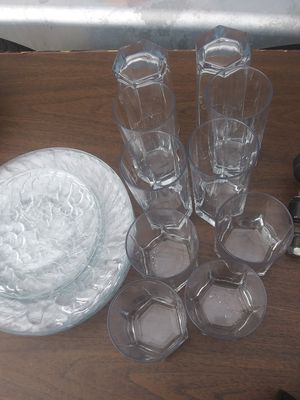 CLEAR DISH SET for Sale in Newport News, VA