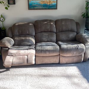 Recliner Couch And Matching Loveseat for Sale in Nashville, TN