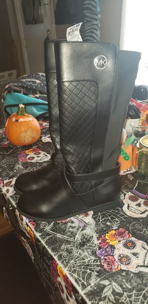 Michael kors girls black boots size 5 brand new for Sale in Pittsburgh, PA