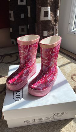 Baby Girls Coco Rain Boots size 5 for Sale in Hialeah,  FL