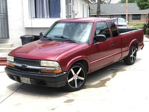 Chevy S10 for Sale in Fresno, CA