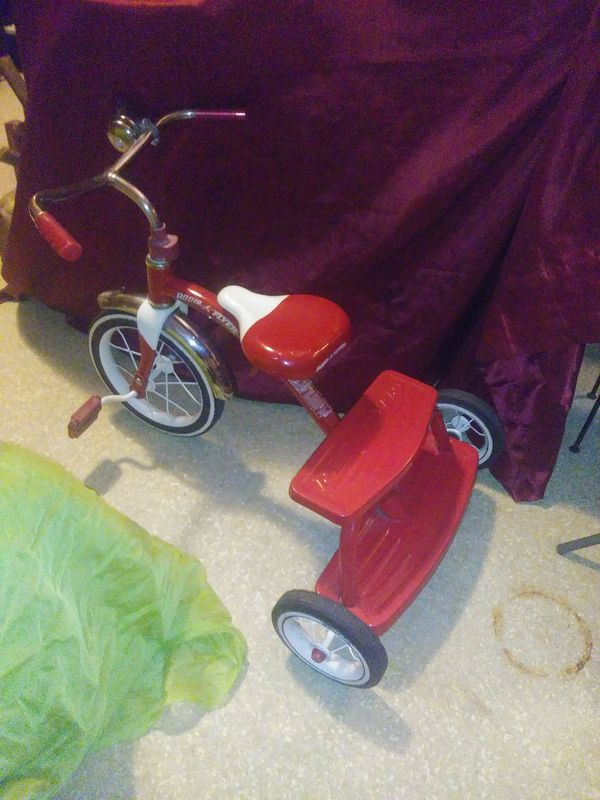 1 Yr Old/Red Radio Flyer