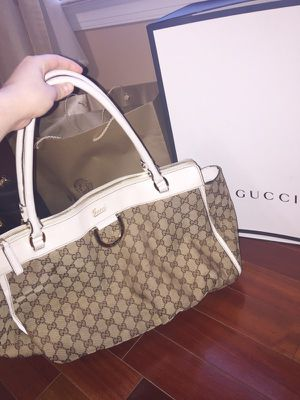 Authentic Gucci handbag for Sale in Manassas, VA