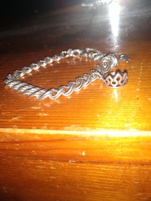 Heavy Double Curb James Avery Charm Braclet for Sale in San Antonio, TX