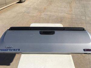 Gmc silver Tailgate for Sale in Dallas, TX