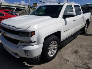 2018 chevy Silverado for Sale in Miami, FL