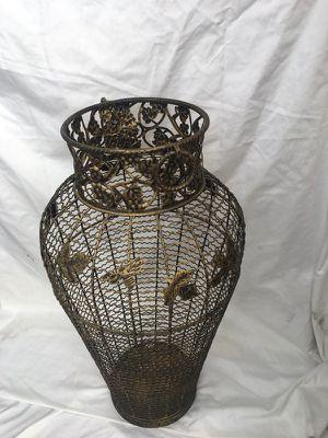Large flower Vase for Sale in Calimesa, CA