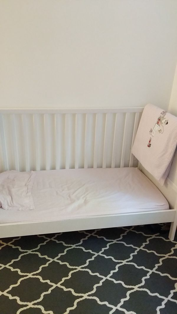 Excellent condition, Baby and toddler bed . Ikea