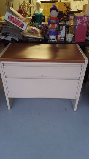 2 Drawer Filing Cabinet for Sale in Redington Shores, FL