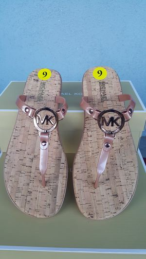 New Authentic Michael Kors Women's Rosegold Sandals Size 8 and 10 ONLY for Sale in East Los Angeles, CA