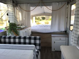 Pop up Camper Coleman Fleetwood for Sale in Carlsbad, CA