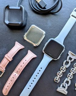 Fitbit Versa Watch With 3 Bands for Sale in Minneapolis,  MN