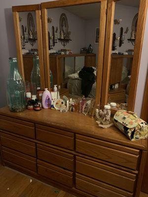 Bed room set for Sale in Meriden, CT