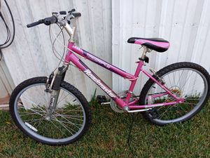 "(Used) 24"" tiré roấdmaster mt sport sx for Sale in Grand Prairie, TX"