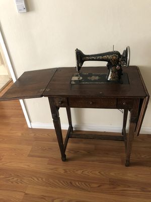 Antique Singer Sewing Machine Table for Sale in West Hollywood, CA