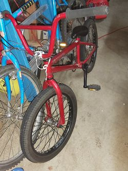 Mirico Vellie Red BMX Bike A Few Light Scratches Bought It For 500$ New for Sale in Vancouver,  WA