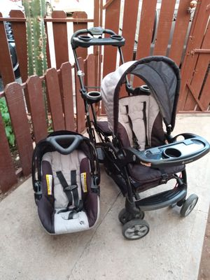 Double stroller and infant car seat for Sale in Phoenix, AZ