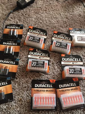 5 Packs of 24 Duracell Batteries Zinc Air 1.45 , 2 Packs of 16 Duracell Batteries Zinc Air 1.45 V and Duracell 123 3v for Sale in Indianapolis, IN