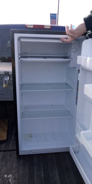 Mini fridge with built in freezer for Sale in Florence, SC