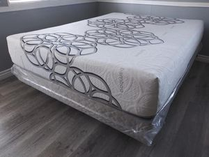Full size sky COMFORT COOL GEL MEMORY FOAM MATTRESS AND BOXSPRING for Sale in Aliso Viejo, CA
