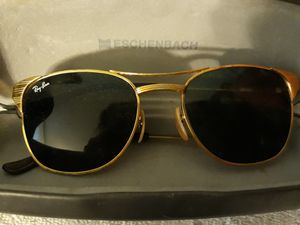 RayBan sunglasses for Sale in Quincy, IL