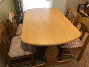 Kitchen table and chairs for Sale in El Cajon, CA