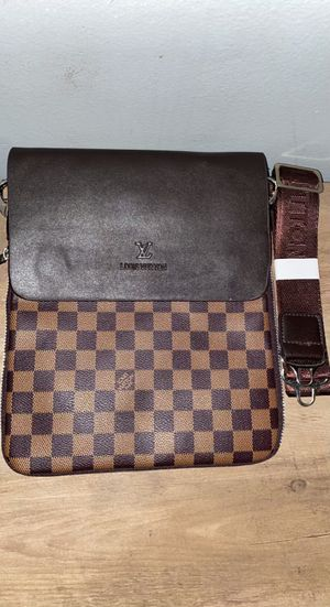 Louis Vuitton messenger bag for Sale in Homewood, IL
