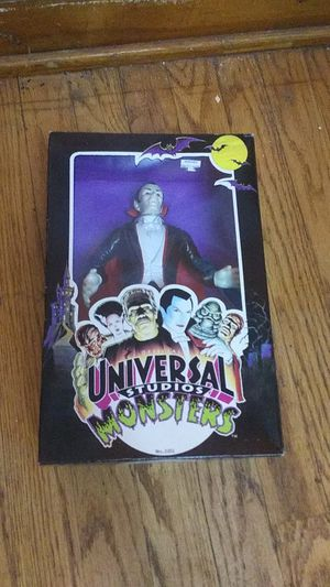 1991 Universal Studios Monsters , Dracula figure for Sale in Chicago, IL