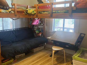 Bunk bed w/loft for Sale in Rodeo,  CA