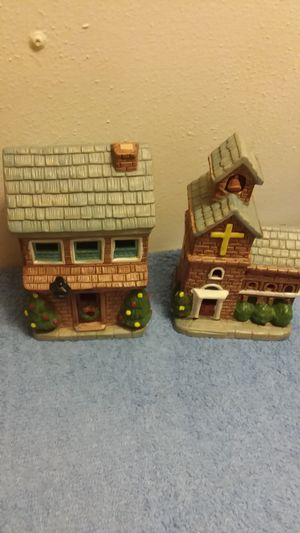2 ceramic houses for Sale in Manchester, PA