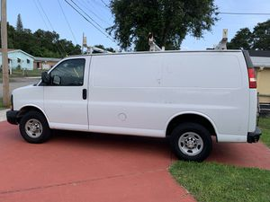 2015 Chevy express cargo van for Sale in Pembroke Pines, FL