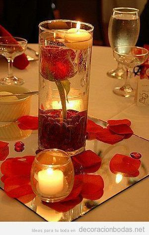 Centro de mesa con vela flotante for Sale in Wenatchee, WA