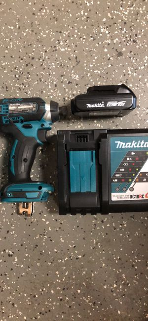 """Makita XDT11 1/4"""" Impact Drill Driver Comes with battery, charger and bag for Sale in Boston, MA"""