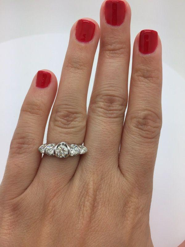 Engagement ring / diamond ring / anillo con diamantes