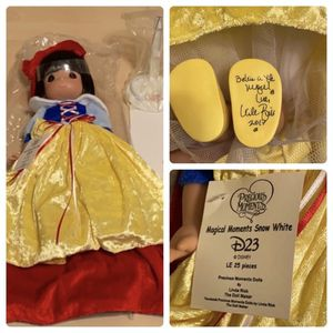 $120linda RICK LIMITED EDITION SNOW WHITE DOLL for Sale in Phoenix, AZ
