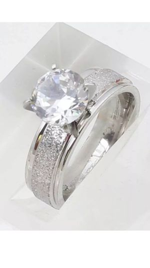 WOMANS BRAND NEW ELEGANT PRINCESS CUT TITANIUM And GRADE AAA Cubic Zirconia Engagement WEDDING BAND Ring for Sale in Laveen Village, AZ