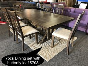 New Big solid dining table set with butterfly leaf for Sale in Fresno, CA