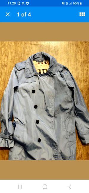 Like New Men Medium Burberry Trench Coat for Sale in Cincinnati, OH