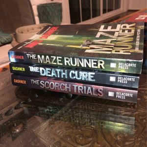 The maze Runner Trilogy Book Set for Sale in Riverside, CA