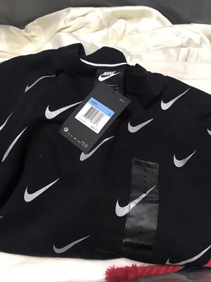 New Nike Womens Rally Print Metallic Crewneck Sweatshirt AT7821-010 Black- for Sale in Las Vegas, NV