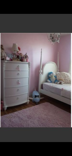 Girls bedroom set for Sale in Newportville, PA