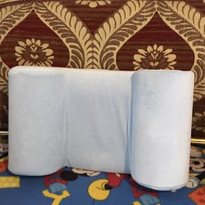 Pillow To Prevent Head Turning At Night for Sale in Camp Pendleton North, CA