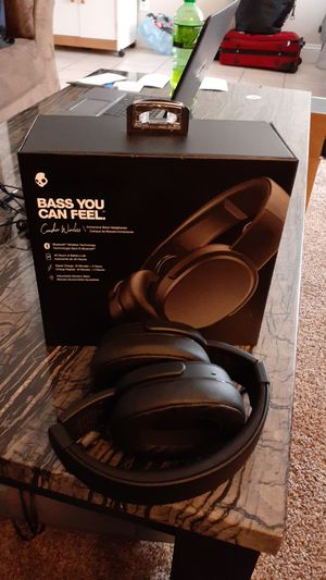 Skullcandy crusher bluetooth wireless headphones for Sale in Minneapolis, MN