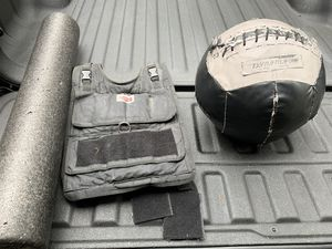 Dyna-Max medicine ball, 40lbs vest, foam roller for Sale in Tigard, OR