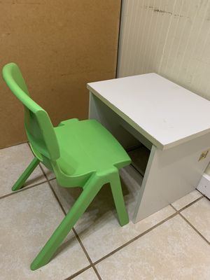 Kids Table & Chair. ( For 2 to 4 Year of ages) for Sale in Gaithersburg, MD