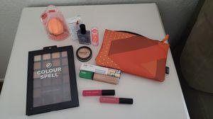 Makeup bundle for Sale in Seal Beach, CA