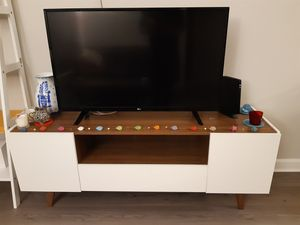 TV bench/cabinet for Sale in Silver Spring, MD
