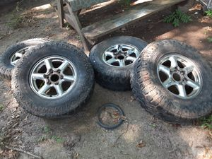 6 lug chrome rims for Sale in Anderson, SC