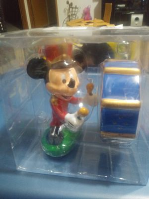 Disney collectible mickey salt and pepper shakers for Sale in Goodlettsville, TN